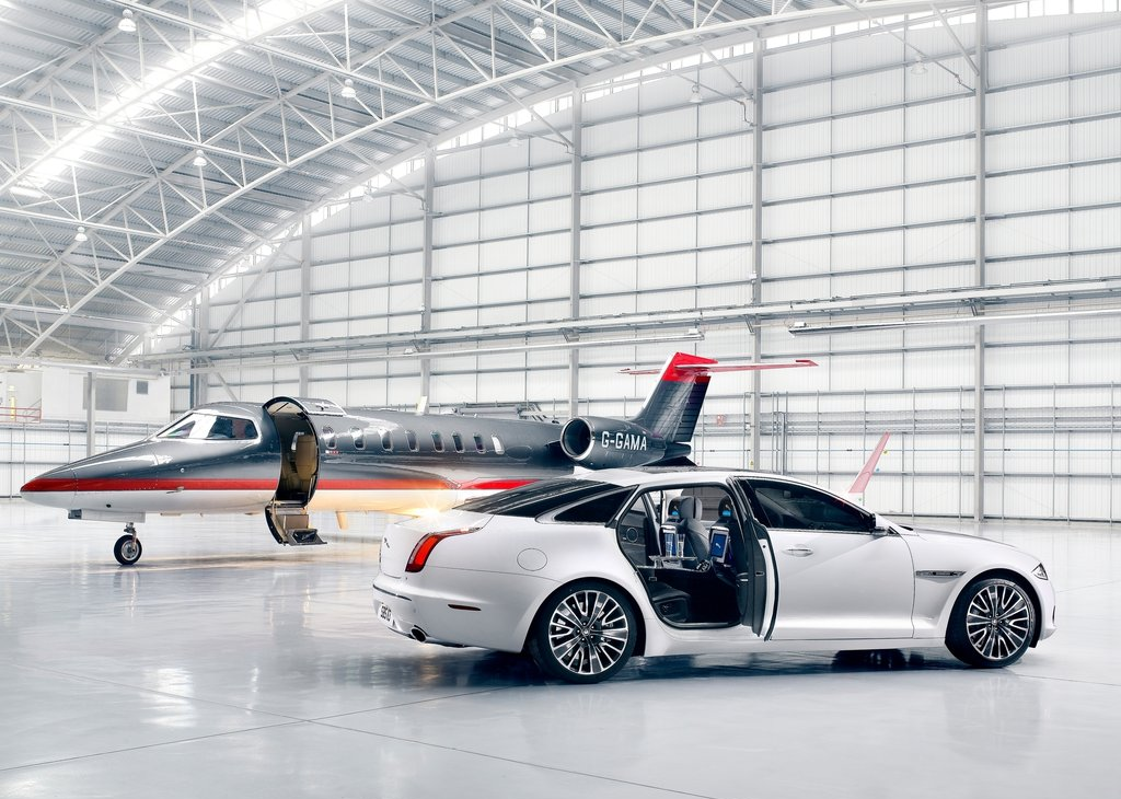 business aviation hangar